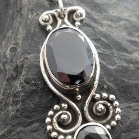 Sterling Silver Onyx Antiqued Patterned Pendant