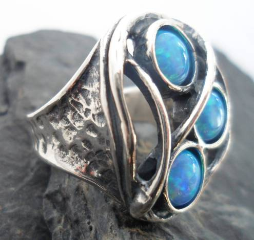 6bc327139e5a8 Hammered Sterling Silver Three Opals Ring sz 7