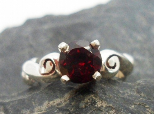 Sterling Silver Designer Garnet Ring with Beautiful Patterned Band