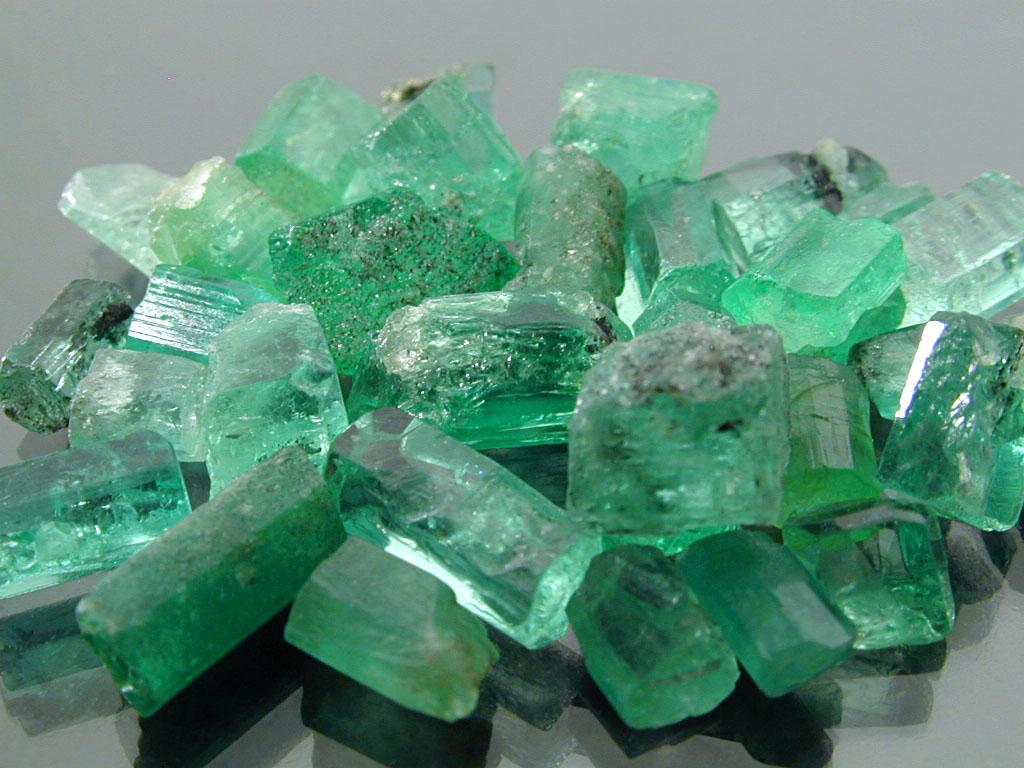 Emerald Mays Birthstone